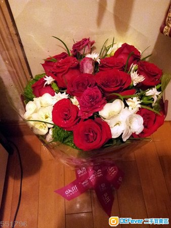 oasis florist 甜蜜恋花 一大束 17支红玫瑰加特色衬花 现货平售$380
