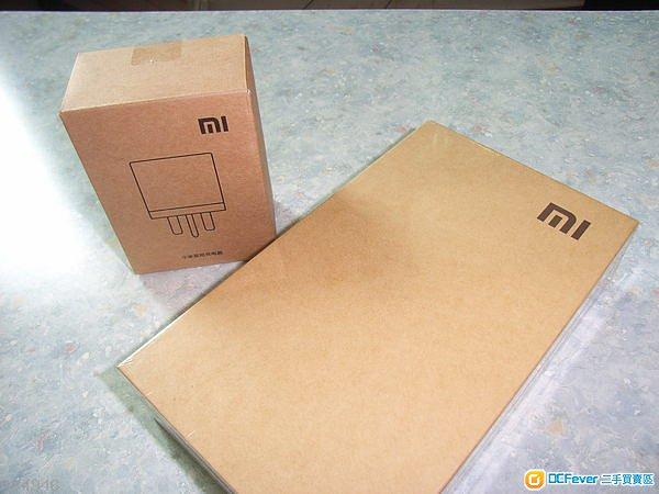 手机主机 x   电池 x   数据线 x   英规充电器(单独包装) x   印刷